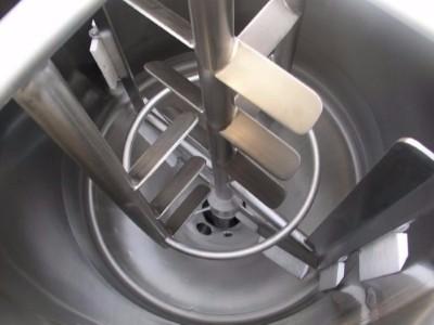 不锈钢反应釜壁上怎么清洗?3种方法可以一试「欧能机械」