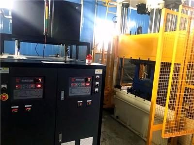 冷热油切换模温机的优点?「欧能机械」从碳纤维模压成型说起