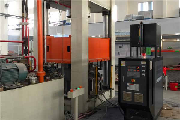 碳纤维预浸料生产工艺