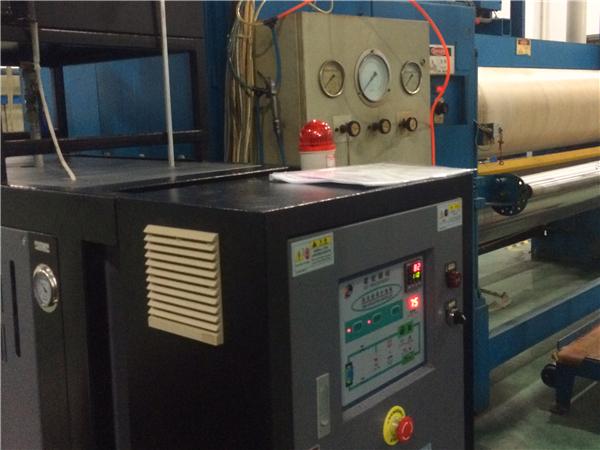 压光辊筒水循环温度控制机
