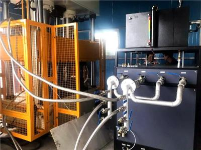 RTM成型工艺合模与注胶过程「欧能机械」