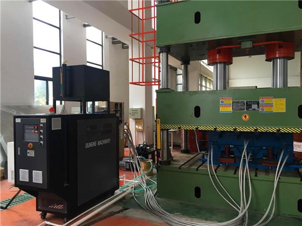 高温油温机与加热设备的连接方式
